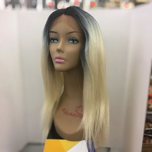 Lace front wig!!